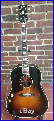 Gibson J160-E Acoustic-Electric Guitar LEFT-HANDED LEFTY