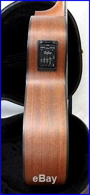 TAYLOR NS32-CE Cutaway Nylon String Acoustic/Electric Guitar withOHSC One Owner