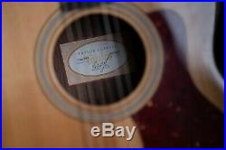 Taylor 214ce Deluxe 6-string Acoustic-Electric Guitar with Hard Case MERRY XMAS