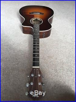 Taylor 214ce Deluxe Grand Auditorium Acoustic-Electric Guitar with hard case