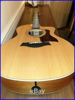 Taylor 214ce- Spruce/Koa Grand Auditorium Acoustic/Electric Guitar with Ca