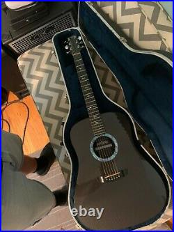 USA Rainsong DR1000 graphite dreadnought acoustic/electric guitar with hsc