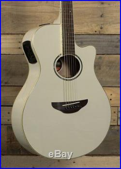 Yamaha APX600 Acoustic/Electric Guitar Vintage White